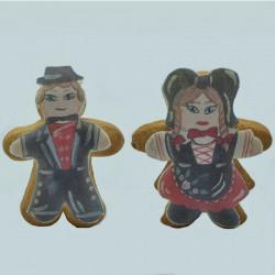 Biscuit Le couple d'Alsacien en costume traditionnel